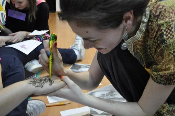 pictura henna cristina iacob