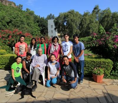 """""""India I Care"""" – experiențe de călător și voluntar în India"""