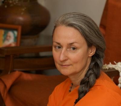 """Liberul arbitru sau soarta"" – Swamini Umananda"
