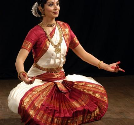 Dansul Bharatanatyam