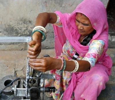 """Expoziția foto """"India Darshan. 18000 km de călătorii interioare"""""""