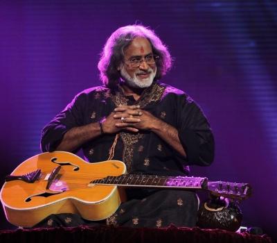 """""""Întâlnire pe Gange"""" – Concert de muzică clasică – Pt. Vishwa Mohan Bhatt"""
